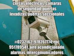 grupos electrógenos, cercos eléctricos, cámaras de seguridad, pozos a tierra, pararrayos, puertas le
